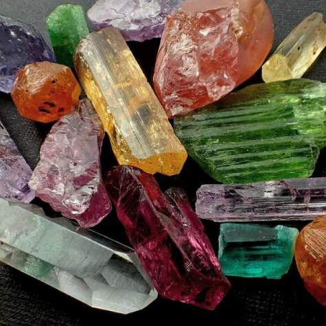 How to Identify Minerals in 10 Steps (1).jpg